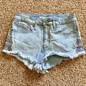 Mossimo women size 4 High rise blue jean shorts*